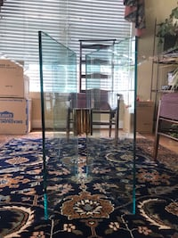 Sleek glass on glass dining table. 36x60x29T So hard to get a good picture Downingtown, 19335