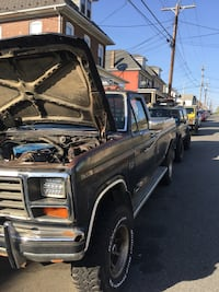 Ford - F-250 - 1985 Easton