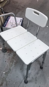 white and gray metal folding chair Côte-Saint-Luc, H4W 2W6