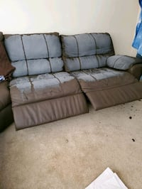 Free section reclining sofa