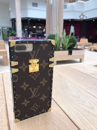 Carcasa iphone eye trunk louis vuitton