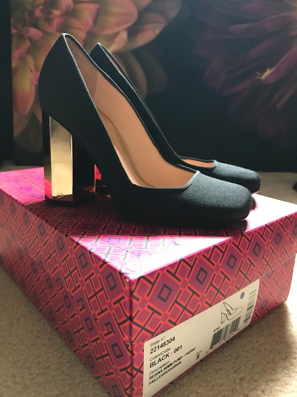 New Tory Burch Black fabric with Gold Heels size 5