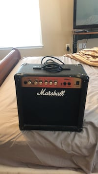 Marshall mg15 guitar amp Round Hill, 20141