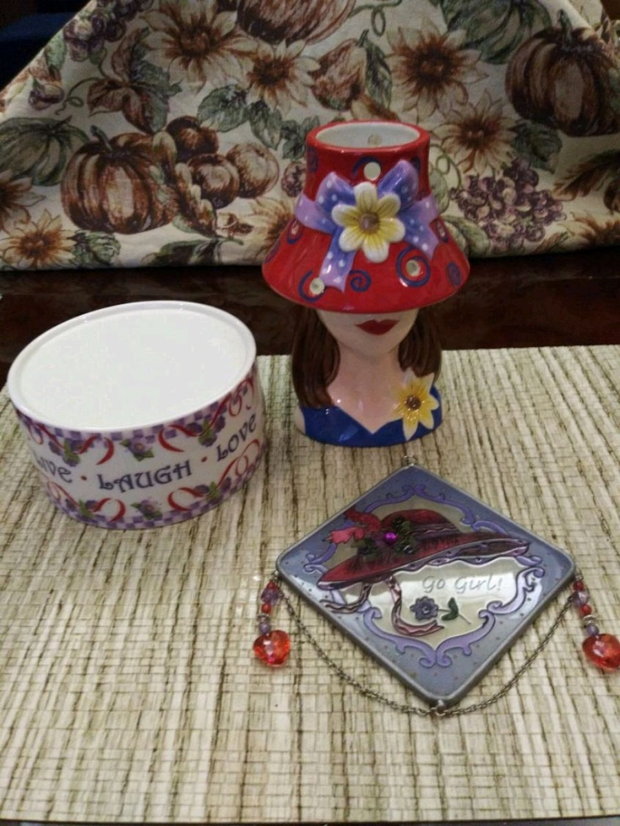 Photo The Red Hat Ladies Society Candle Set