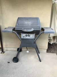 Working -Char-broil propane grill with two side trays - obo San Diego, 92131