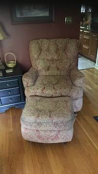 Recliner with ottoman Allentown, 18104