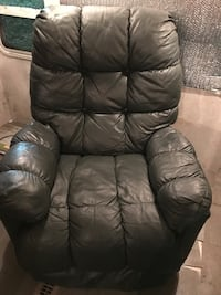 Green leather recliner  Buna, 77612
