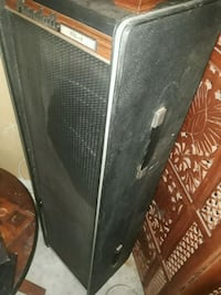 Pair of 2 Vocal Amps 4x10in Subs in each Palm Bay, 32909