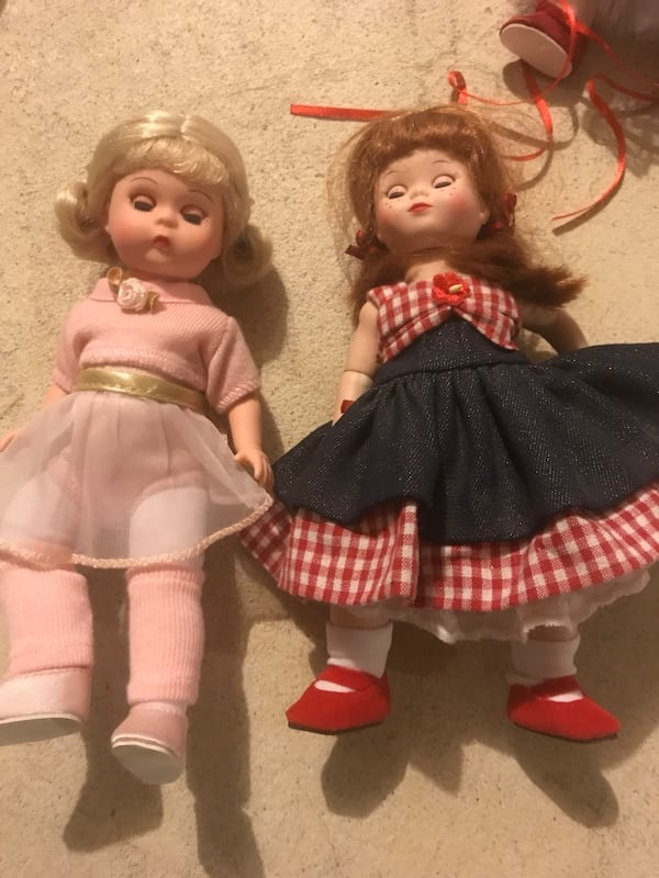 Porcelain girl doll lot $30 for 10 dolls 7bff3991-9393-4604-a44b-fc19c2e1285c