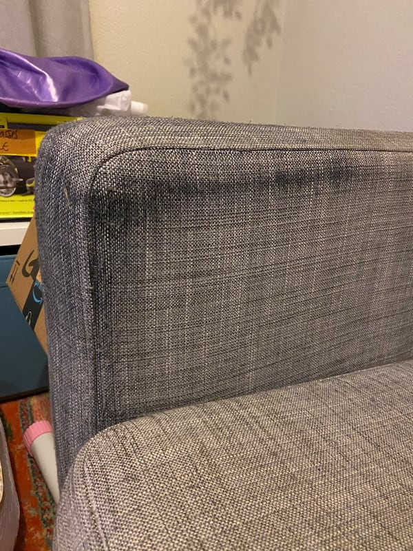 Grey couch 70f00fb1-87ed-496a-be00-3f4c7ba21e43