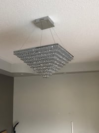 Crystal semi-flush mount light fixture in excellent condition! Brampton, L6V 0Y3