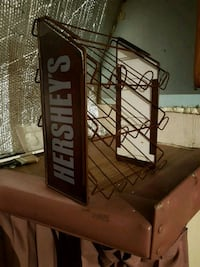 Hershey's chocolate metal rack 3157 km