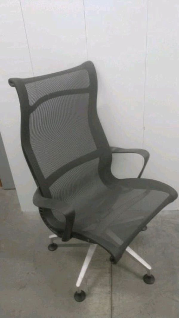 Herman Miller Setu Chair  1