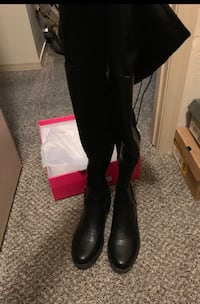 Over the knee black boots El Paso, 79938