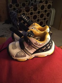 toddler's white black and yellow sneakers Greencastle, 46135