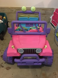 Barbie Battery Operated Jeep for 2 Moorestown, 08057