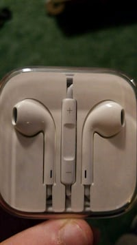 Apple earbuds Spokane, 99207