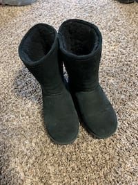 Bear paw boots size 6