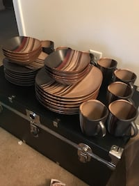 Better home and garden 32 pc dining set.