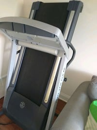 gold gym treadmill Pittsburgh, 15205