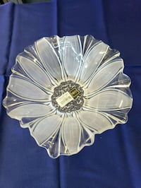 clear cut glass floral bowl Bullhead City, 86442