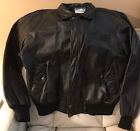 BLACK LEATHER MOTORCYCLE BOMBER JACKET EXCELLENT CONDITION SZ46.  BLUE RIDGE COLLECTION expressly for IVEYS Arden, 28704