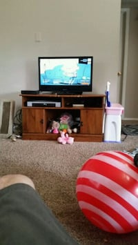 32inch flat screen and TV stand  Gladewater, 75647