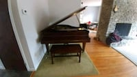 1922 Chickering & Sons Baby Grand Piano and stool Arnold, 21012