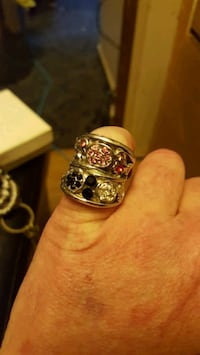 Black and pink stones silver colored ring Blountville, 37617