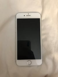iPhone 7 Silver 16gb - unlocked  Cerritos, 90703