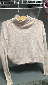 American Eagle Turtle Neck