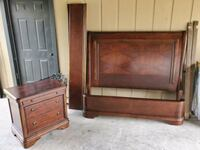 Queen size bed SOLID WOOD w/nightstand