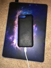 Mophie iPhone 8+/iPhone 7+ Charger Case