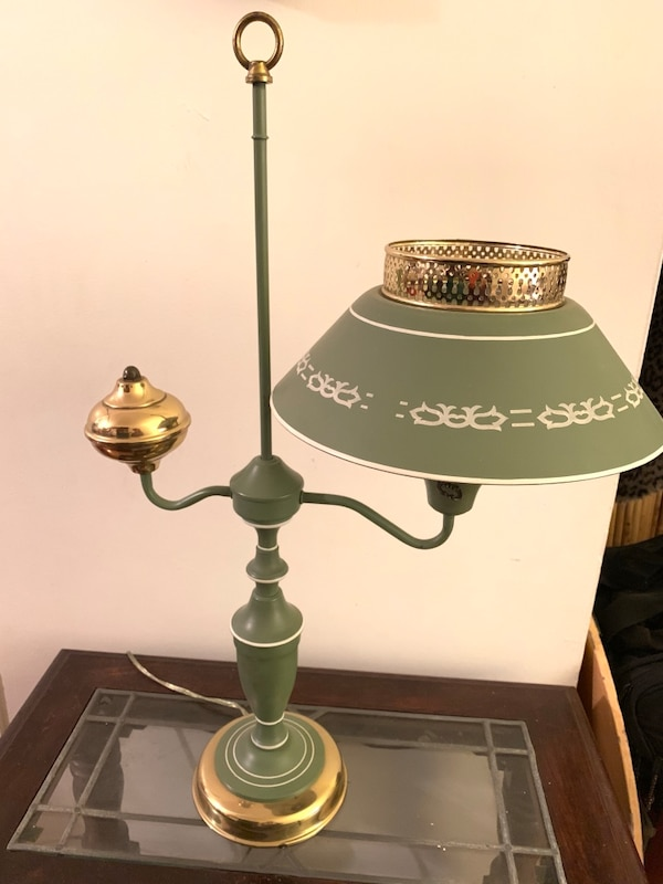 Vintage Toleware Accent Table Lamp - REDUCED 91dc0ffe-c054-4610-803f-54b431a06ce0