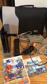 Wii gaming system and accessories with games Toronto, M9B 3W2