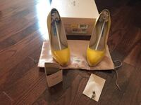 Authentic Prada pumps Vaughan