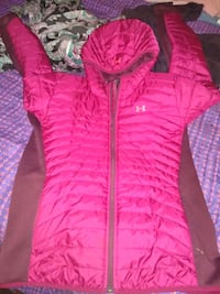 Ladies size Large under armour jacket