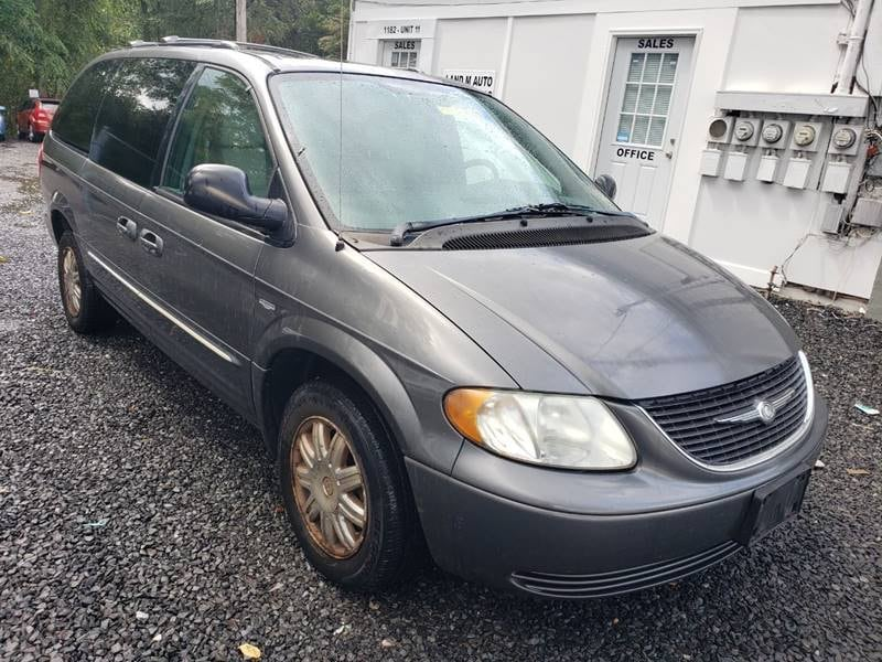 Chrysler - Town and Country - 2004 242688f7-f040-4d15-aae3-4eb6e78f1b73