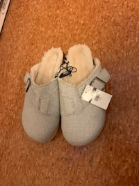 Winter sandals size 7