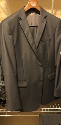 Gray notch lapel suit jacket Oro Valley, 85737