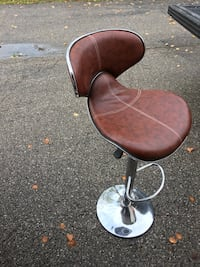 brown leather padded stainless steel base hydraulic bar seat Toronto, M8V 1A1