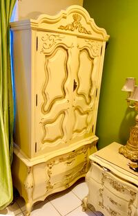 Chest cabinet French Provincial