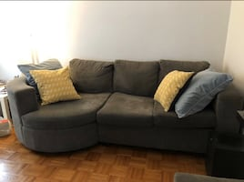 FREE DELIVERY TODAY ONLY- UNIQUE ROUND END SECTIONAL COUCH -GREAT COND