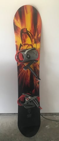 red and black snowboard with bindings Florence, 41042