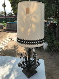 white and black table lamp San Bernardino, 92404