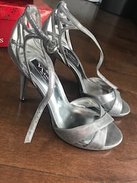 Pair of silver open-toe ankle strap heels Port Coquitlam, V3B 7M2