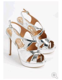New rue 21 stalletos size 7 and 1/2 Alliance, 44601