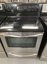 Stainless Steel Frigidaire glass top stove Montreal