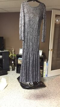Ladies Evening Gown Thorold, L2V