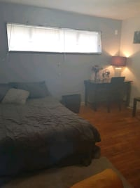 Room 4 rent in surrey  Surrey